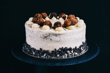 Mocha Coffee and Cream Sponge Cake