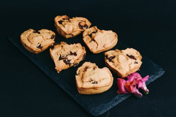 Vegan Choc-chip Cookie (full size)